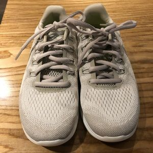 Brand New Women's Nike Free Run Size 6